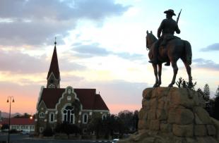 Luderitz-War-Statue-Wiki